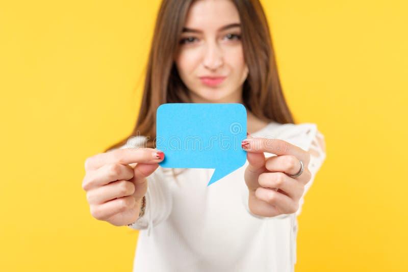 Weibliche Blasenrede der Feedbackeinschätzungsübersicht lizenzfreies stockfoto
