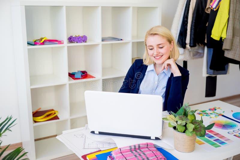 Weibliche Designerfunktion stockbild