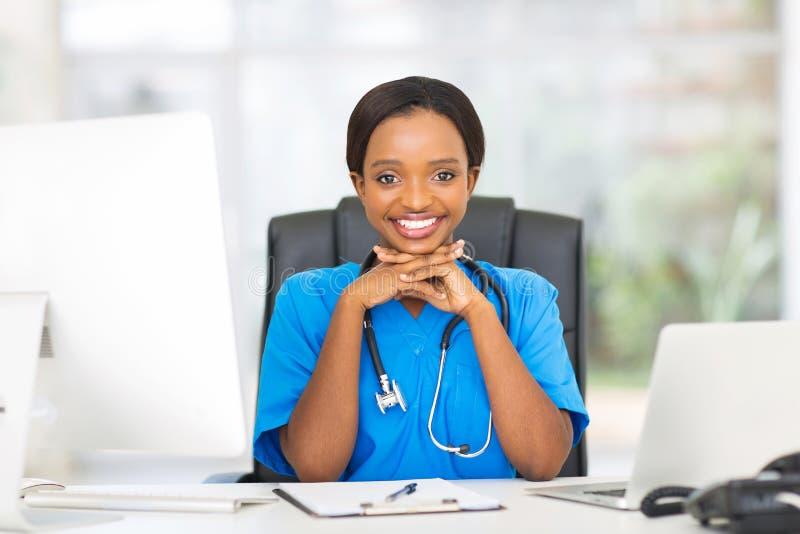 Weibliche medizinische Krankenschwester lizenzfreie stockbilder