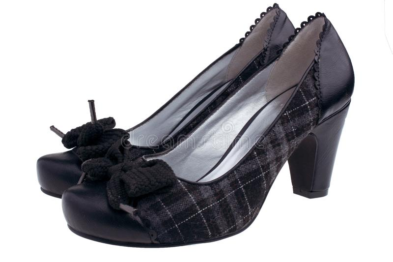 Weibliche schwarze Schuhe stockbilder