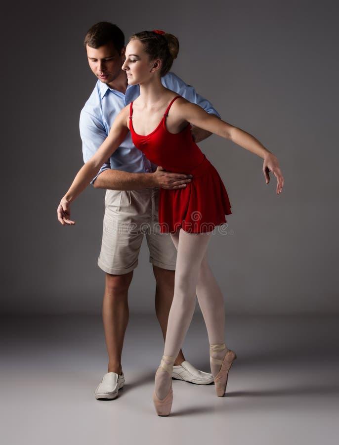 Weiblicher Balletttänzer lizenzfreies stockbild
