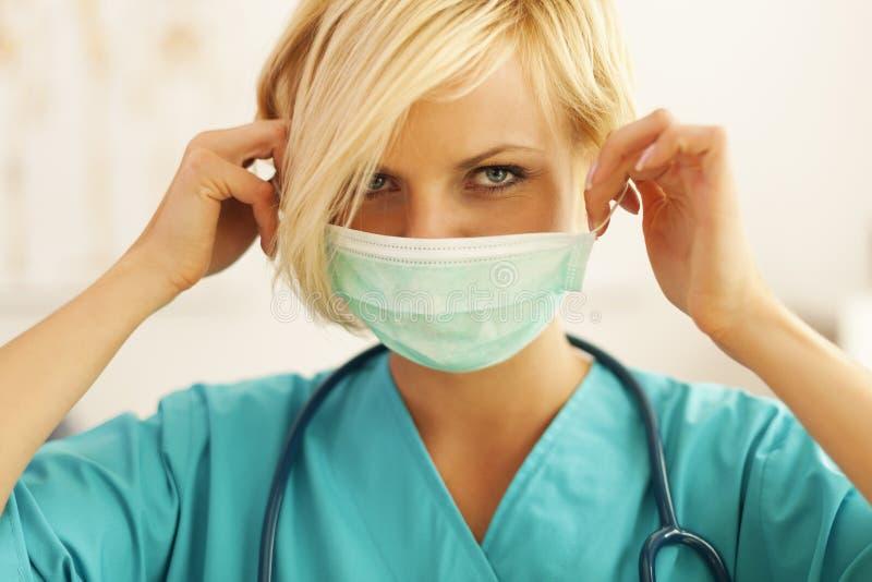 Weiblicher Chirurg lizenzfreies stockbild