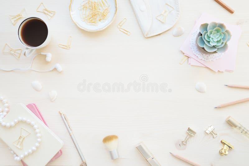 Weiblicher Funktionsraum in den Pastelltönen stockbild