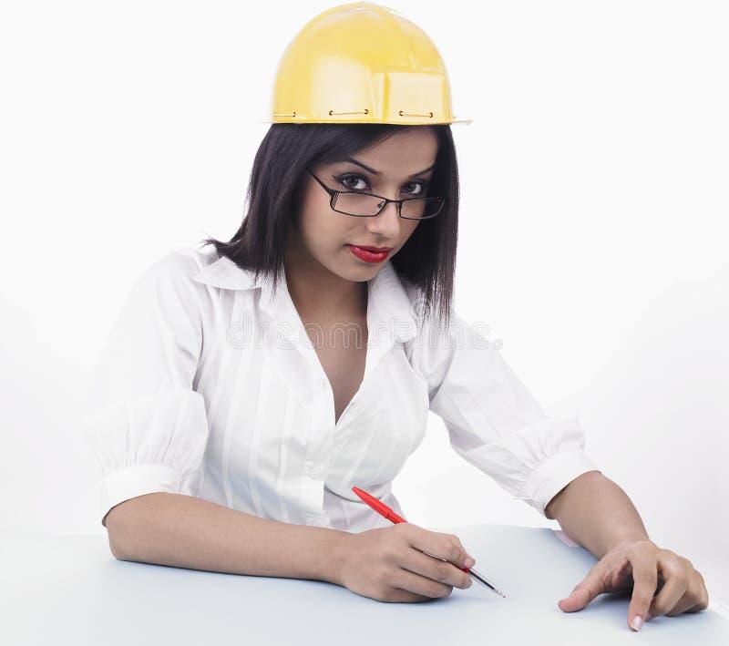 Weiblicher Industriearbeiter lizenzfreie stockbilder