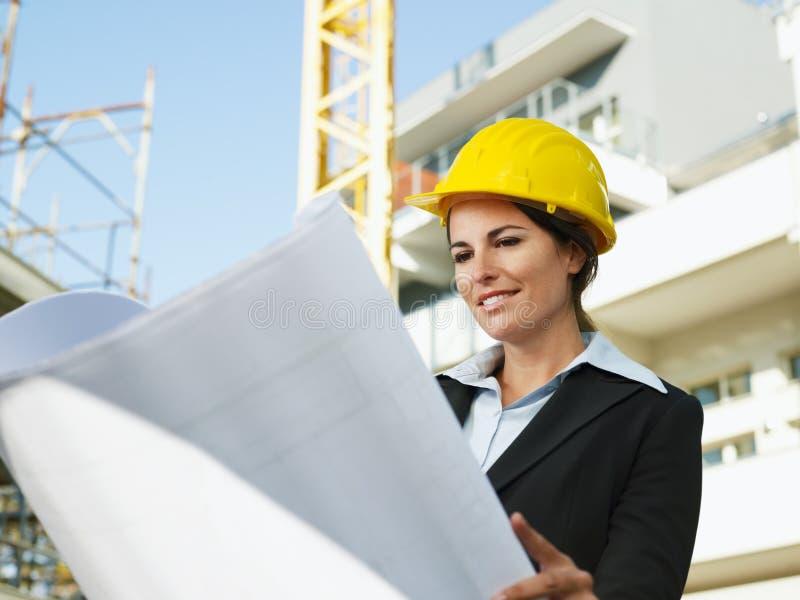 Weiblicher Ingenieur lizenzfreie stockbilder