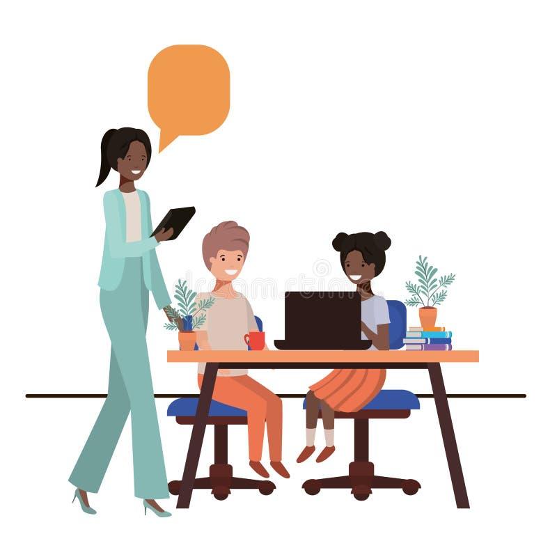 Weiblicher Lehrer im Klassenzimmer mit Studenten und Spracheblase lizenzfreie abbildung