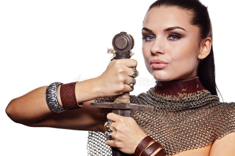 Weiblicher Ritter in der Rüstung lizenzfreie stockbilder