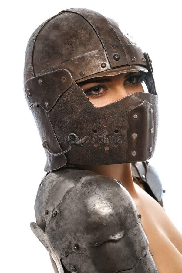Weiblicher Ritter in der Rüstung stockfoto