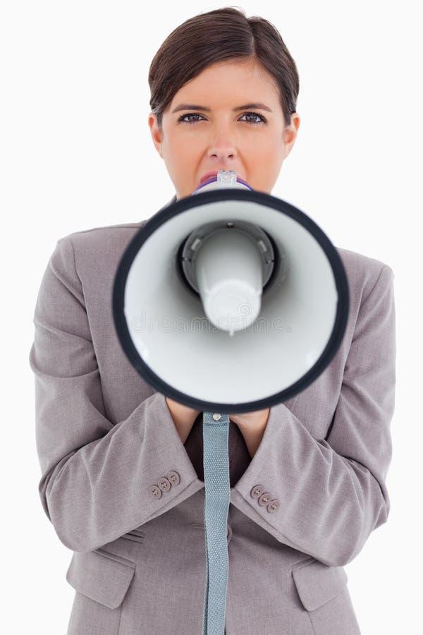 Weiblicher Unternehmer, Der Durch Megaphon Schreit Stockbilder
