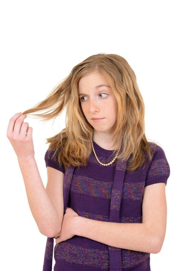 Weibliches Kind gestört mit dem Haar lizenzfreies stockbild