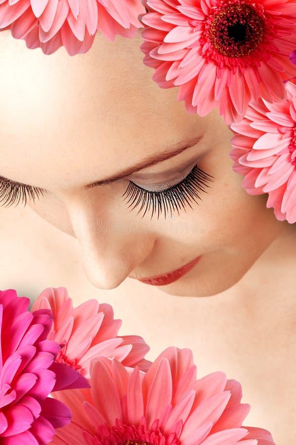 Weibliche falsche besonders lange Augenpeitschen lizenzfreies stockfoto
