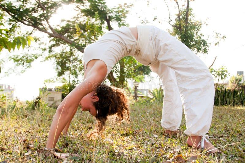 Weibliches Yoga-Original stockbilder