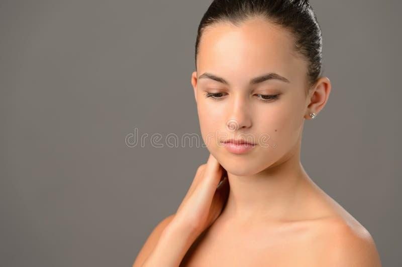 Weiche Hautpflege der Schönheitsporträt-Jugendlichen stockfotos