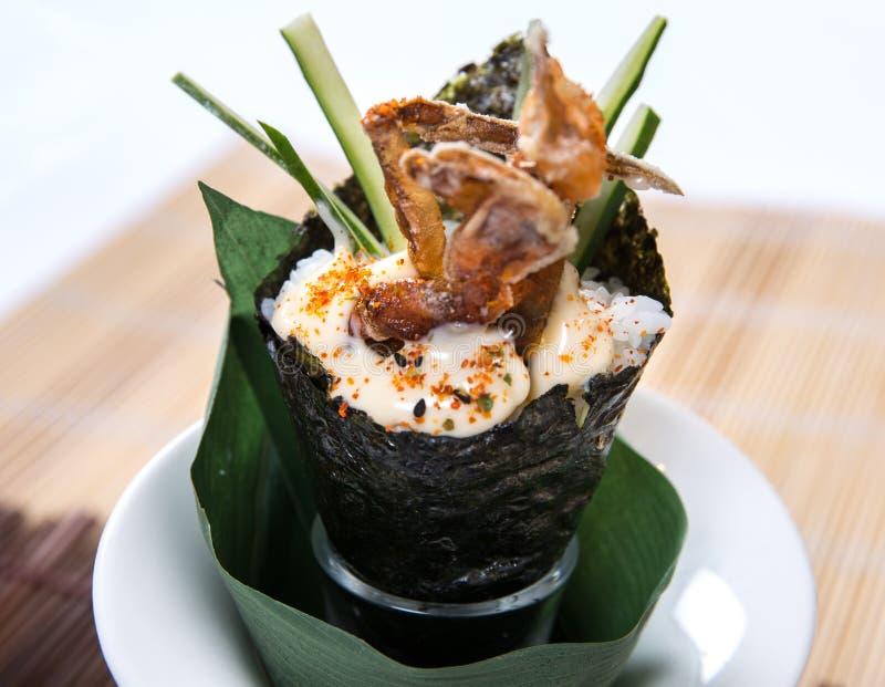 Weiche Shell Crab Hand Roll Temaki lizenzfreie stockfotos