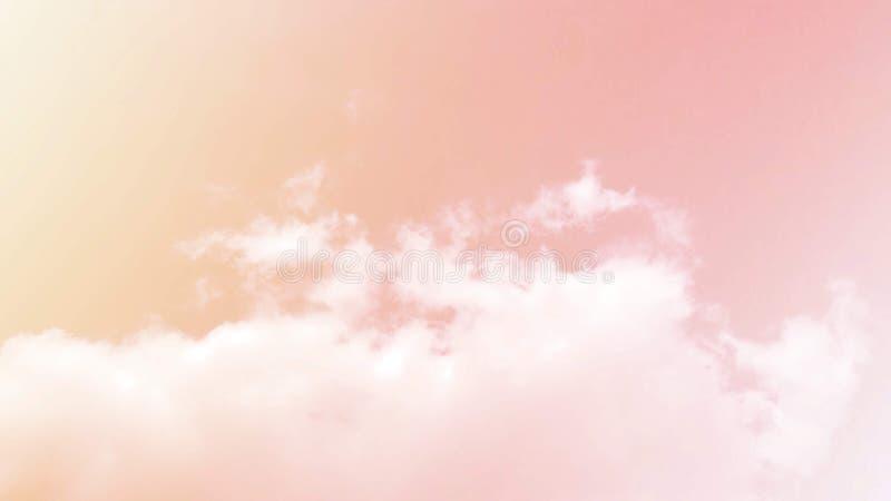 Weiche Wolken Im Himmel mit sanften Pastellgradienten stockfotos