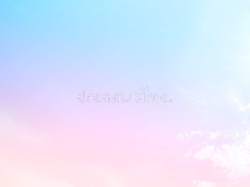 Weiche Wolken Im Himmel mit sanften Pastellgradienten lizenzfreie stockfotografie