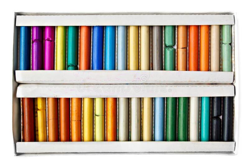 Weicher Pastellkasten des Künstlers in den verschiedenen Farben lizenzfreie stockfotografie