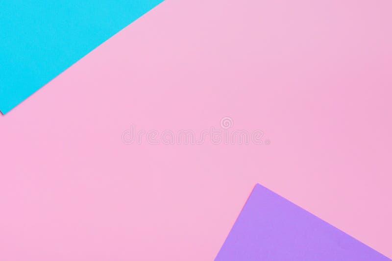Weicher Rosa-, Blauer und Purpurroterhintergrund Bunte Beschaffenheit Flache Lage Minimales Konzept Kreatives Konzept stockbild