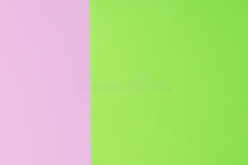 Weiches Rosa und Grünbuch als Beschaffenheitshintergrund Flache Lage Minimales Konzept Kreatives Konzept Pop-Art Helle süße Mode  stockfotos