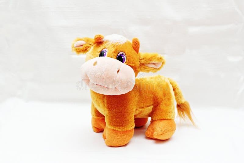 Weiches Spielzeug ist eine gute Kuh stockbilder