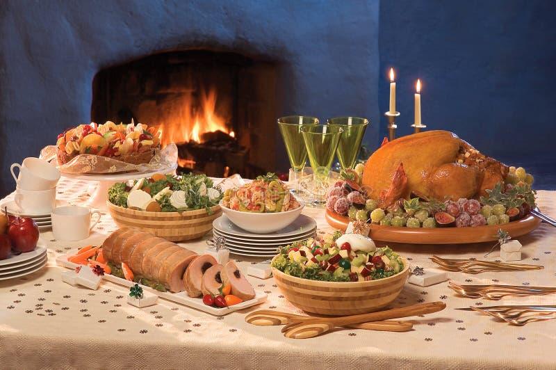 Weihnachten gediente Tabelle lizenzfreies stockfoto