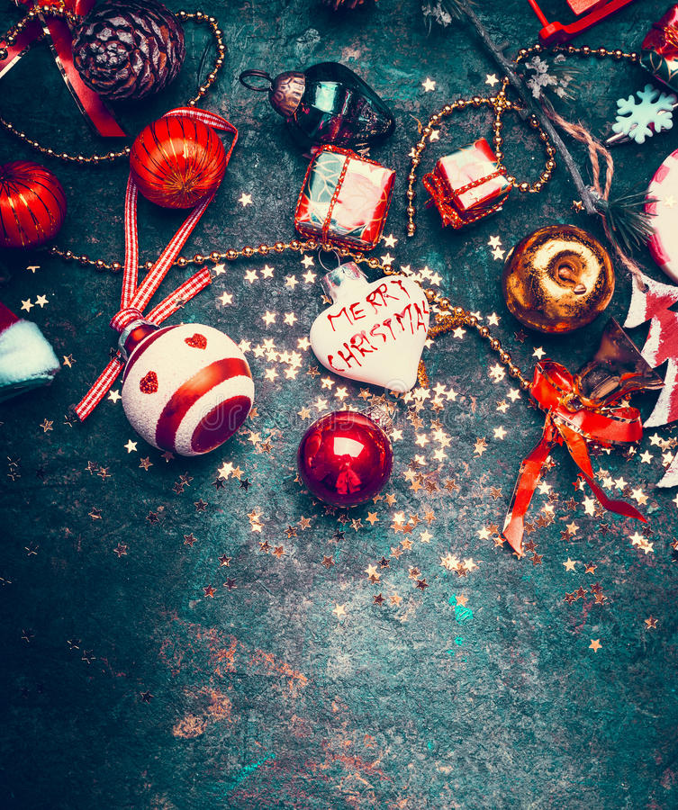 Frohe Weihnachten Herz.Weihnachten Mit Roter Dekoration Herz Mit Beschriftung Frohe