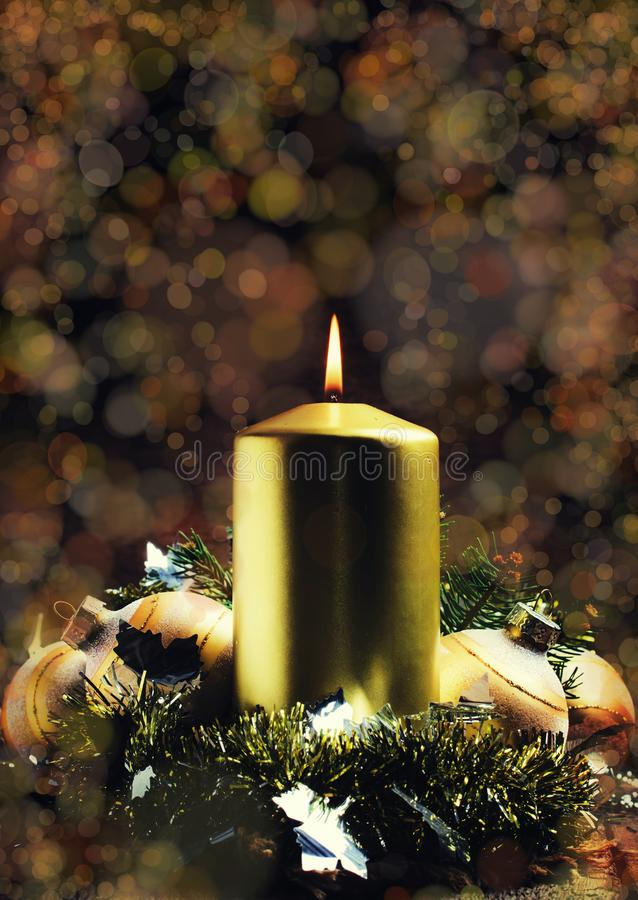 Weihnachten oder neues Jahr-Zusammensetzung mit brennender Kerze A, Selecti lizenzfreie stockfotos