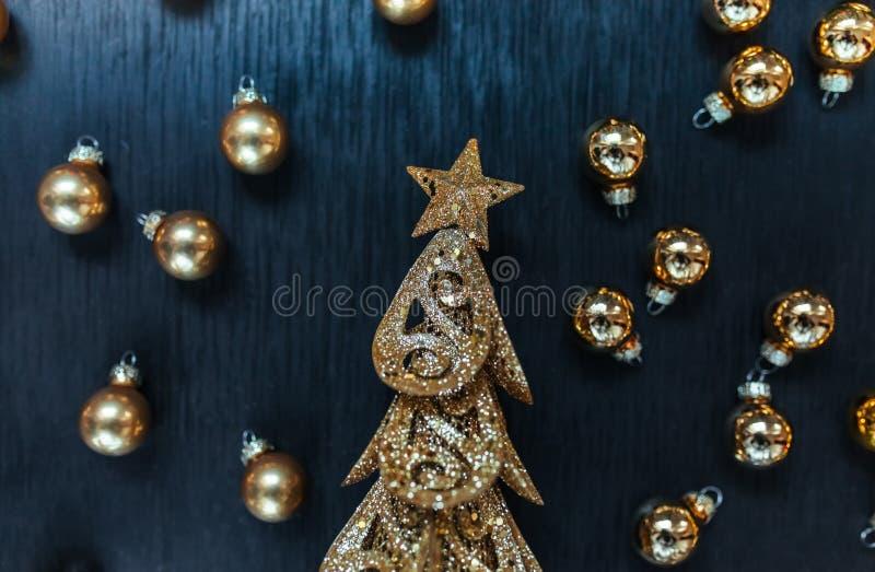 Weihnachten Toy Drive Der schwarze Hintergrund Stern und Baum lizenzfreie stockbilder