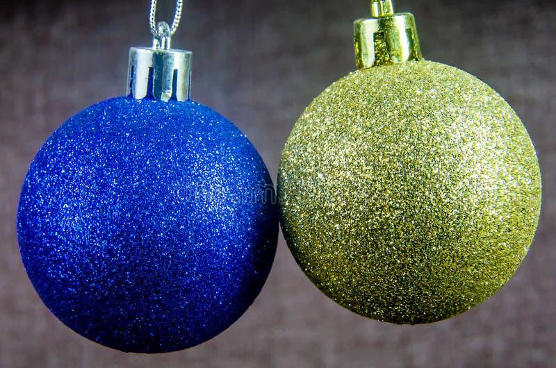 Weihnachten verziert Ballblau- und Goldfarbnahaufnahme lizenzfreies stockfoto