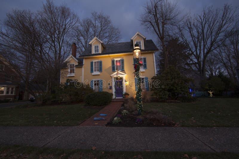 Weihnachten verzierte Haus stockbild