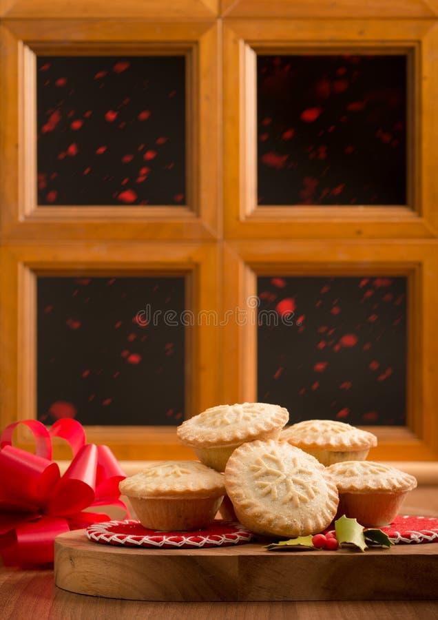 Weihnachten zerkleinern Torten stockbilder