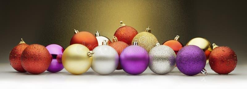 Weihnachtenbälle und stardust lizenzfreie stockfotografie
