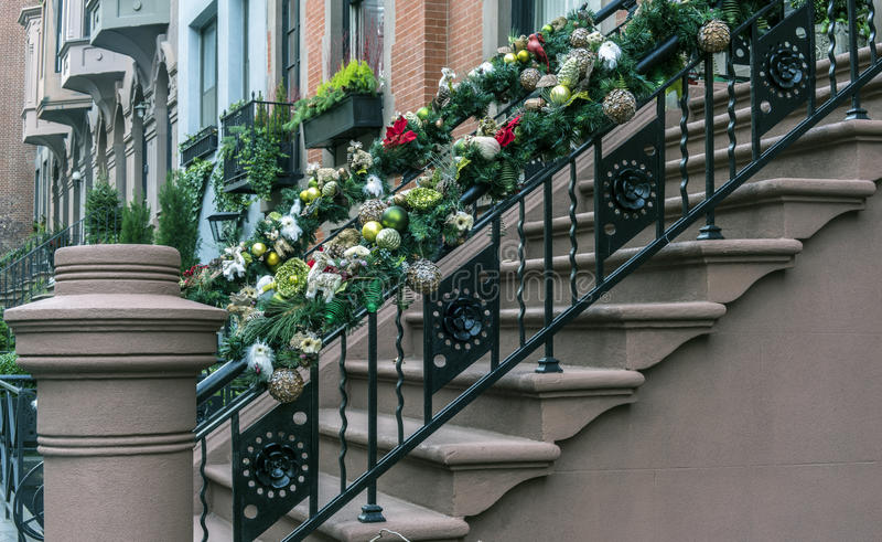 Weihnachts-New- York Citybrownstone stockbild
