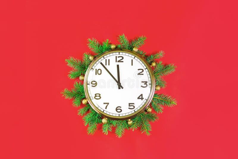 Weihnachts- oder Neujahrsgeschmack um Mitternacht rot stockfotos