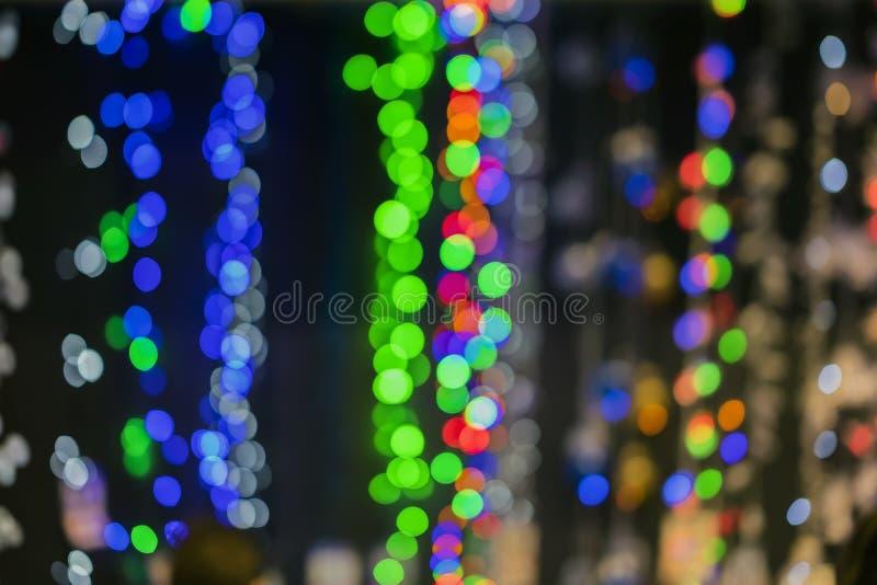 Weihnachtsabstrakter Hintergrund, helle Girlande mit bokeh lizenzfreie stockfotos