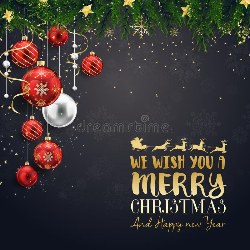 Weihnachtsbälle mit Tannenzweigen und Gold spielen auf schwarzem Hintergrund die Hauptrolle lizenzfreie abbildung