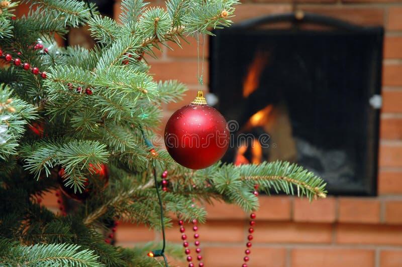 Download Weihnachtsbaum stockfoto. Bild von warm, baum, karte, feier - 871560