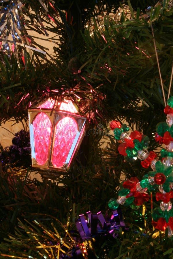 Weihnachtsbaum-Dekorationen stockbild