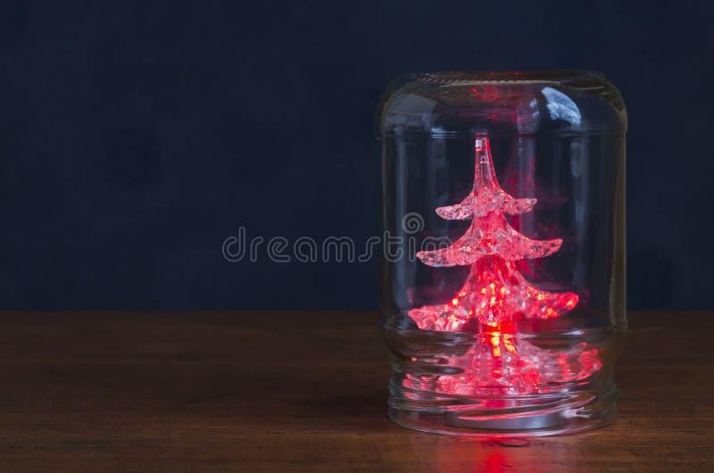 Weihnachtsbaum in einem Glas lizenzfreie stockfotos
