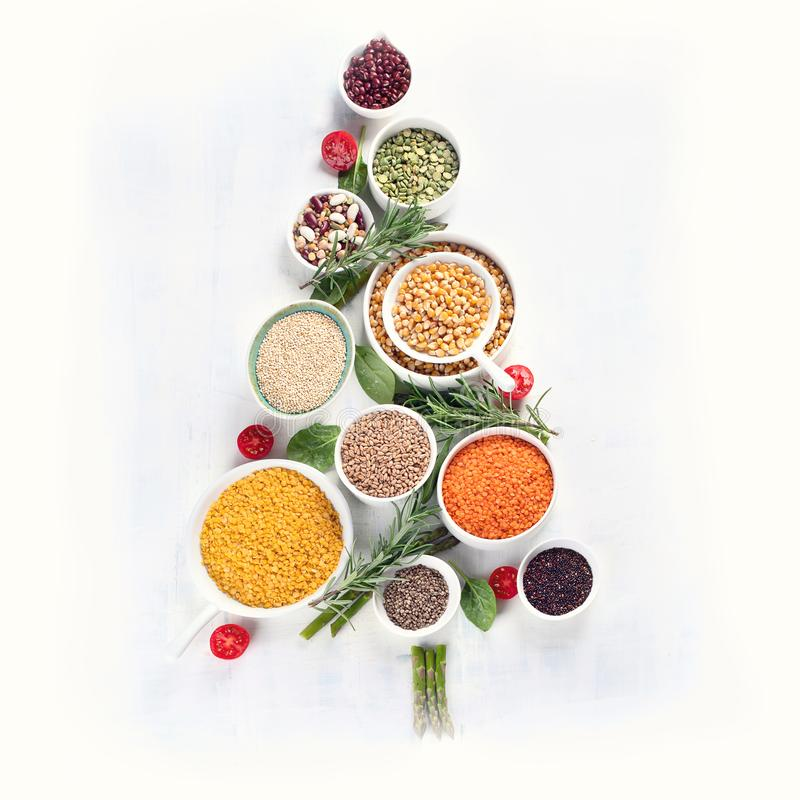 Weihnachtsbaum gemacht von der gesunden Nahrung lizenzfreie stockfotografie