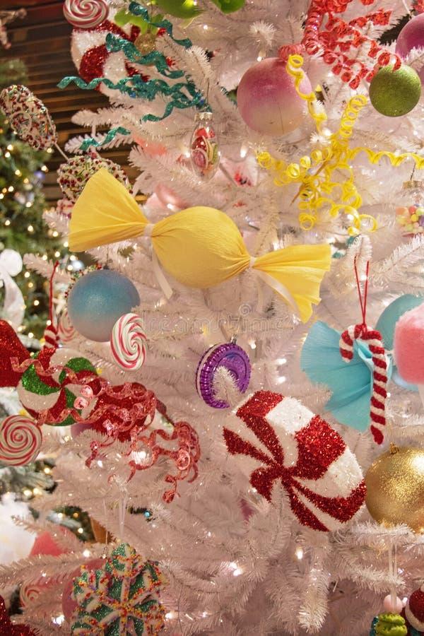 Weihnachtsbaum im Candy Land - Details lizenzfreies stockfoto