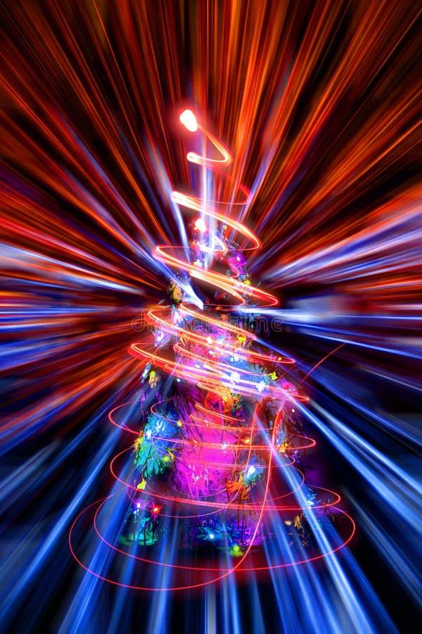 Weihnachtsbaum mit abstrakter Weihnachtslichtexplosion lizenzfreie abbildung