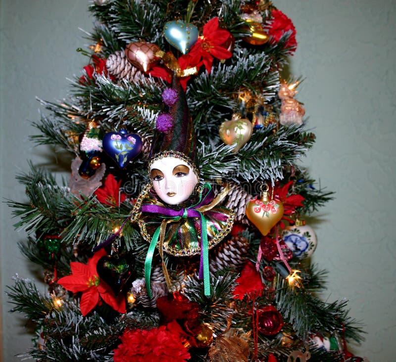 Weihnachtsbaum Mit Clown-Gesicht Lizenzfreies Stockfoto