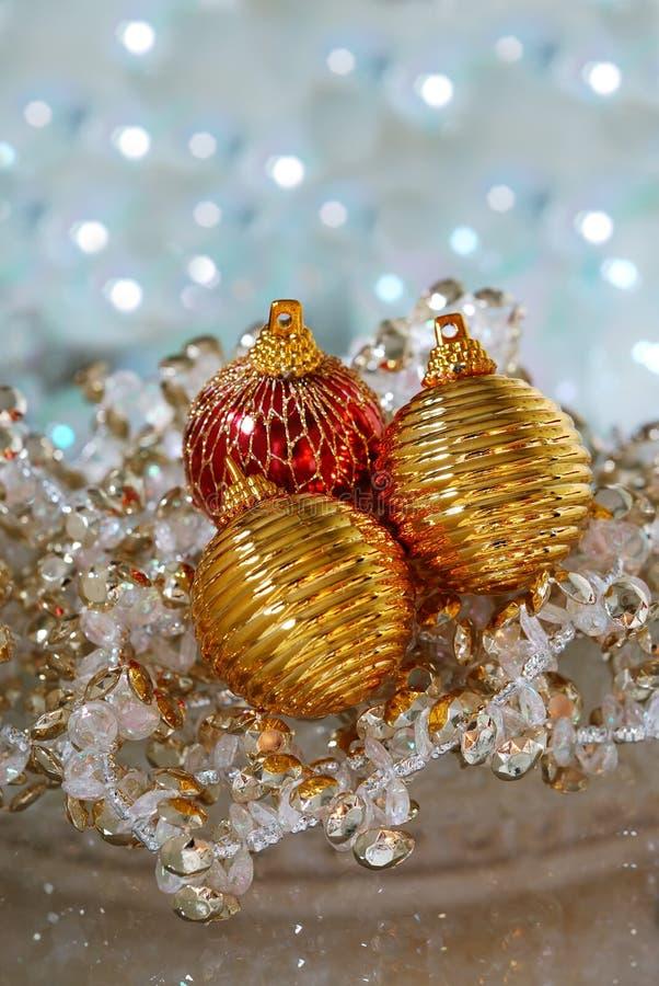 Weihnachtsbaum-Verzierungen lizenzfreie stockfotografie
