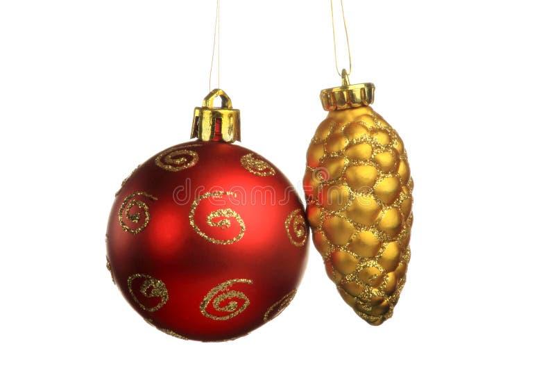 Weihnachtsbaumschmuck, Ball, Dekorationen Lokalisierter weißer Hintergrund lizenzfreies stockfoto