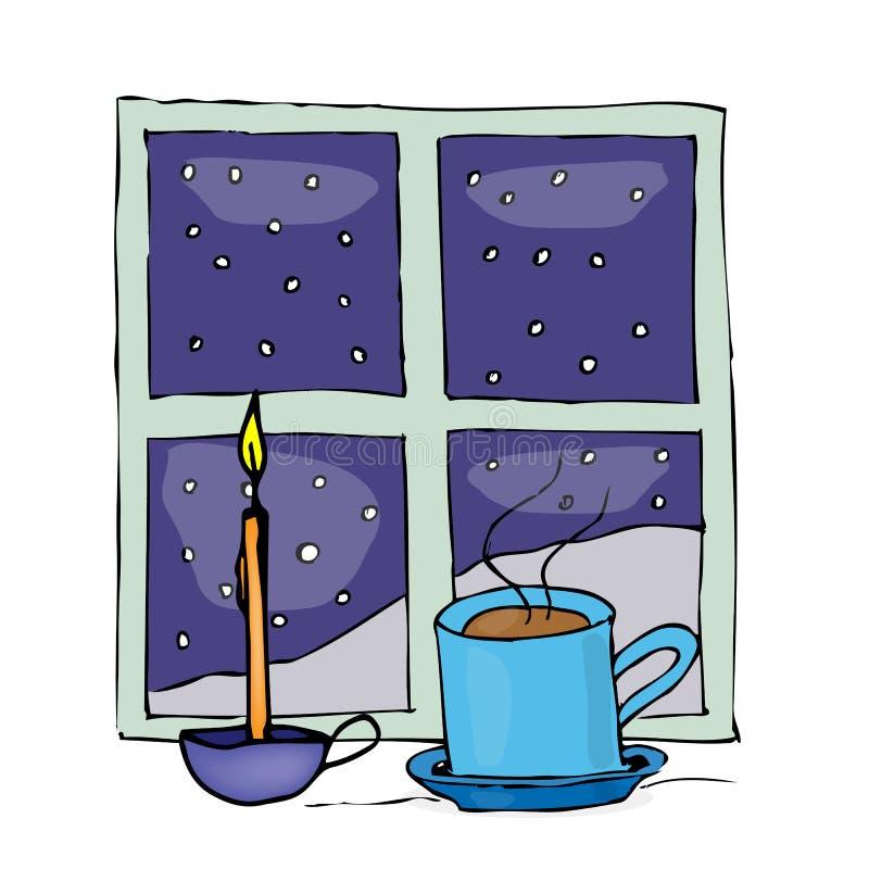 Weihnachtsbecher und -kerze nahe dem Nachtfenster lizenzfreie abbildung