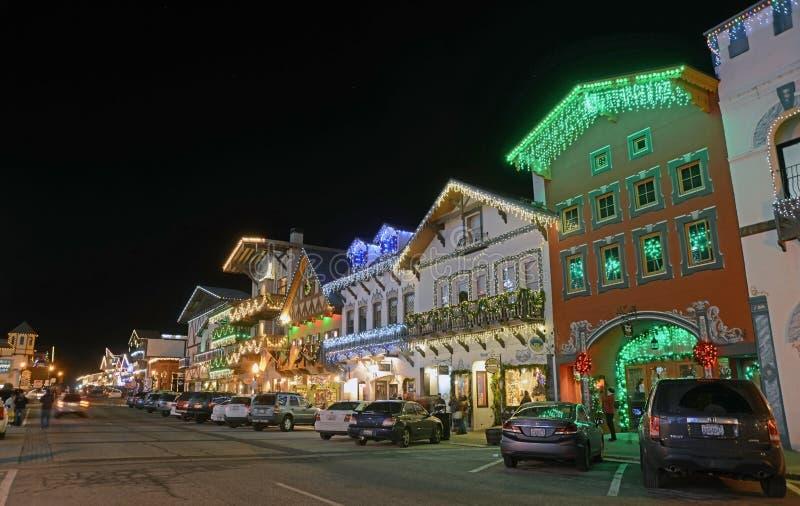 Weihnachtsbeleuchtung in Leavenworth lizenzfreies stockfoto