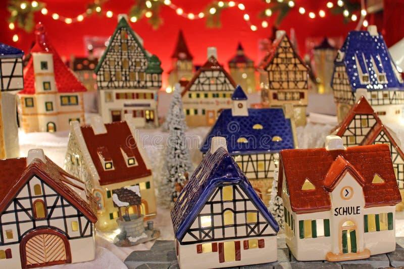 Weihnachtsdekoration auf Einführungsmarkt lizenzfreies stockfoto