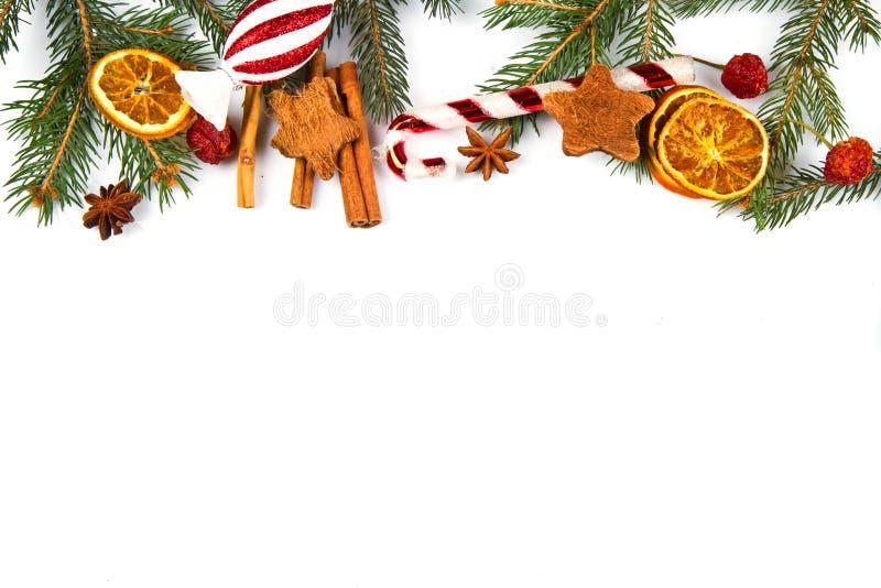 Weihnachtsdekoration auf weißem Hintergrund stockbilder