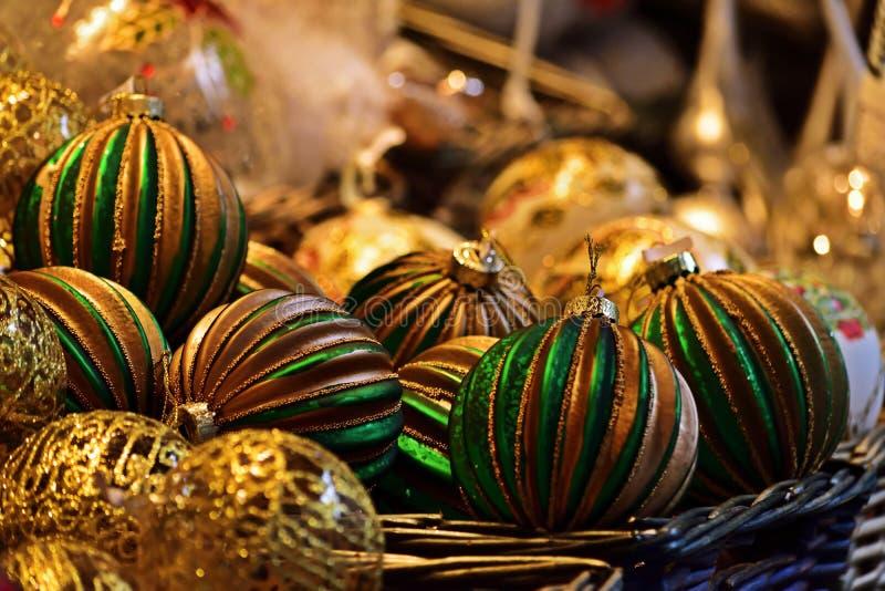 Weihnachtsdekoration für Verkauf am Markt lizenzfreie stockfotografie